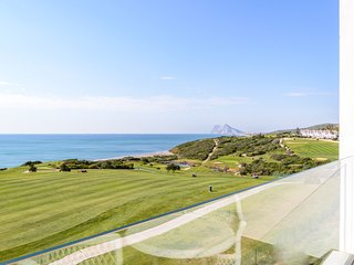 Urb.Alcaidesa Edificio The Links. Vistas espectaculares al mar, golf y Gibraltar