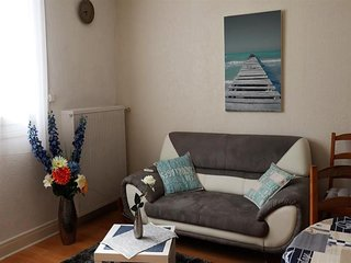 ROYAN CENTRE-VILLE - Bel appartement de 78 m2 avec cour privative