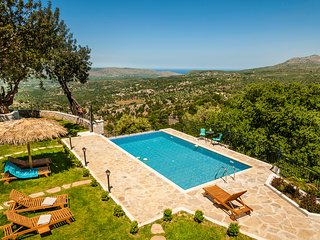 Big Private Pool★Sea view★ Stone Villa★ BBQ