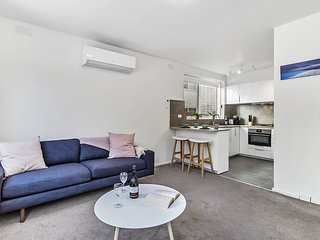 Stylish renovated pad minutes from St Kilda beach