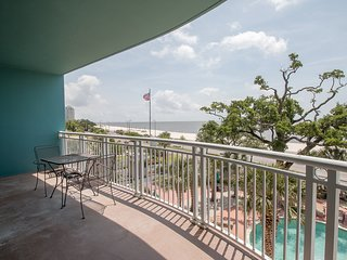 Pool View Condo w/ WiFi, Mini Golf, Resort Pool & Gym Access
