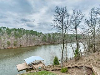 Lake Tuscaloosa Waterfront Home
