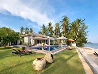 Bang Kao beach villa, 6 bed, sleeps 12