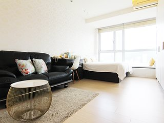 JC Serviced Apartment -Boutique Apartment near Taipei 101 with pool & gym