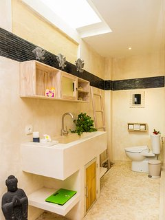 each bedroom has an ensuit bathroom with bathtub