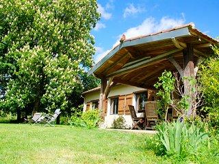 Petit Pardeillan - Gîte nature 6 personnes avec piscine et étang