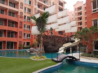 2 bedroom apartment with water park on territory at Seven seas condo