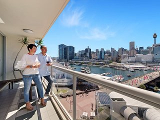 One Darling Harbour - Premier Waterfront Apartments