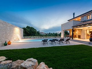 4 bedroom Villa in Sivati, Istria, Croatia : ref 5610312