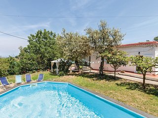 3 bedroom Villa in Sant'Agata sui Due Golfi, Campania, Italy : ref 5566627