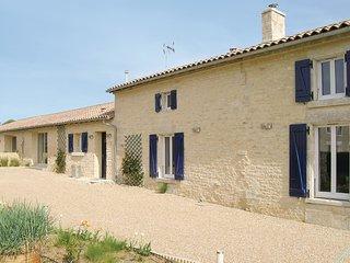 3 bedroom Villa in Bouillé-Courdault, Pays de la Loire, France : ref 5565803