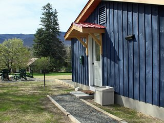 Mountain View Cottage: Hot Tub, Dog Friendly, 2.9 mi to Whiteface, Mountain View