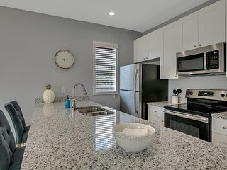 New 1/1 Loft Minutes From Heart of Tampa - #2