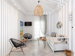 Aeolos Sunny Villas | Grand Deluxe Jaccuzzi Suite