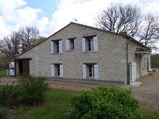 6 bedroom Villa in Paussac-et-Saint-Vivien, Nouvelle-Aquitaine, France : ref 505
