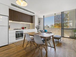 Contemporary apartment close to city and beaches