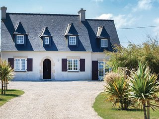 5 bedroom Villa in Saint-Egarec, Brittany, France : ref 5521996