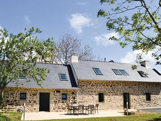 3 bedroom Villa in Trégarvan, Brittany, France : ref 5565493