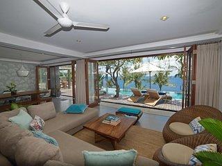 Malimbu Cliff Villa - Bedroom 1, vacation rental in Lendangluar