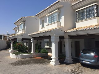 3 bedrooms spacious town-house in Riviera del Sol