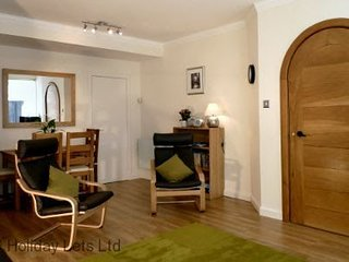 Advocates Apartment in heart of Old town, overlooks Royal Mile sleeps 4