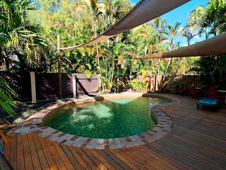 CASSOWARY  COURT * PALM COVE