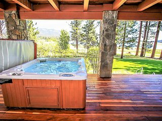 Eagles Nest Incredible 5 BR Lakefront/Hot Tub/Pool Table