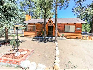 Casita Garcia Adorable 2BR Single Level Chalet / Streaming TVs