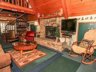 ~Mason's Mountain Retreat~Hot Tub~Newly Refurnished~Central Location~
