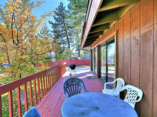 ~Le Trianon~Vintage Lake House Cabin Furnished With Rustic Charm~Walk To Town~