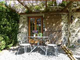 Cosy cottage for two in heart of rural France