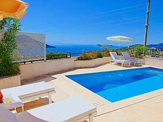 Villa Ela: Charming villa with private pool and sea views