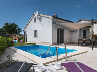 Pool house in Segotici, peaceful place near east coast of Istria, Croatia