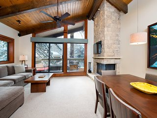 Renovated Condo with Wood-Burning Fireplace - 3 Hot Tubs & 2 Pools!
