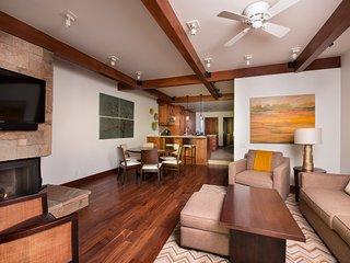 Luxury Mountain Condo | Fireplace, Balcony, Shuttle Service + 2 Pools!