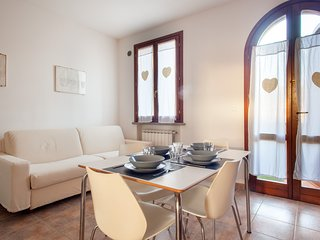 Leccino - Bright apartment with swimming pool in Suvereto