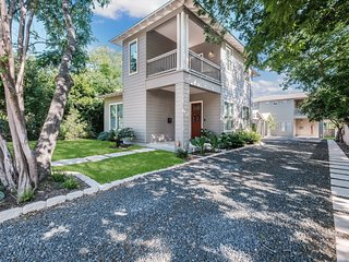 Exquisite, Brand-New Home in Historic District - 10 Min. Walk to Downtown