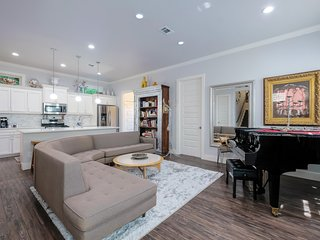 Exquisite New Home in Historic District - 10 Min. Walk to Downtown