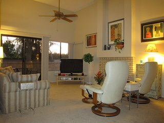 Sunshine Retreat: Elegance and Comfort in Palm Desert