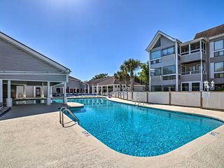 NEW! Myrtle Beach Home w/Pool Access-Walk to Ocean