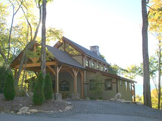 Sanctuary at Eagles Nest ~ Large Luxury, Long Range Views, Indoor & Outdoor Fire