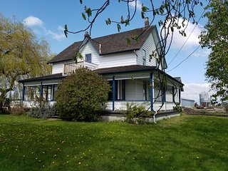 White Willow Farms and Guesthouse located on a large property.