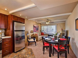 Beautiful Old Town condo in Prime Scottsdale location