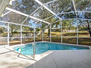 Greater Groves - Pool Home 4BD/3BA - Sleeps 8 - Gold