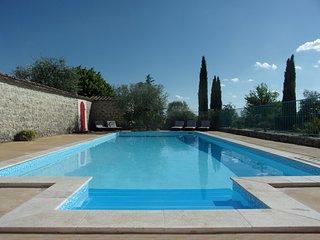 Le Mas des Grads de Perret, piscine chauffée
