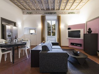 Terme Suite apartment in Duomo with WiFi, integrated air conditioning & lift.