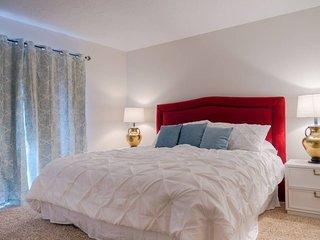 Spacious Three Bedroom Condo in Sports Village