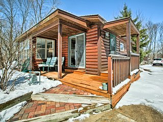NEW! Fort Atkinson Cottage w/ Deck & Lake Access!