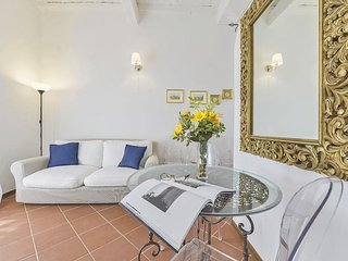 Goldoni apartment in Duomo with WiFi & integrated air conditioning.