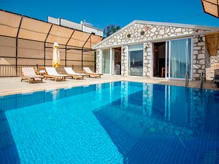 Holiday villa in  Kisla /  Kalkan  sleeps 5:  137